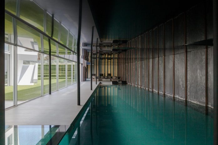 ultramodern-huge-home-exclusive-area-madrid-designed-well-known-international-sportsman-13
