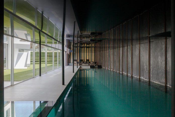 ultramodern-huge-home-exclusive-area-madrid-designed-well-known-international-sportsman-13