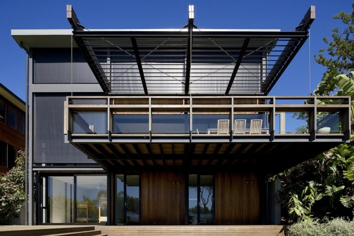 use-steel-glass-recycled-timbers-creates-modern-home-feels-calm-confident-01