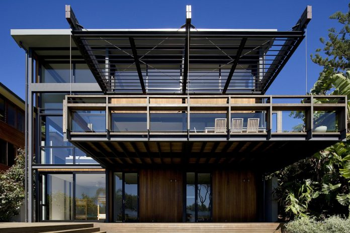 use-steel-glass-recycled-timbers-creates-modern-home-feels-calm-confident-02