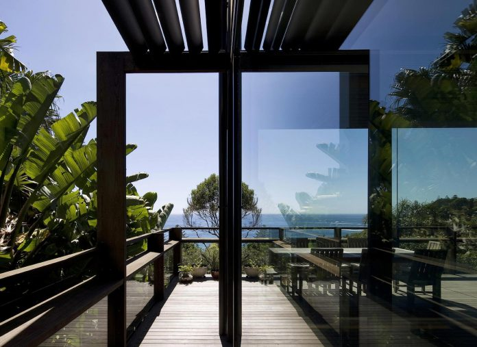 use-steel-glass-recycled-timbers-creates-modern-home-feels-calm-confident-06