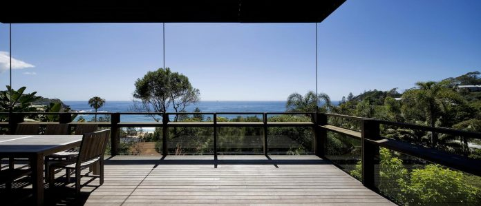 use-steel-glass-recycled-timbers-creates-modern-home-feels-calm-confident-07