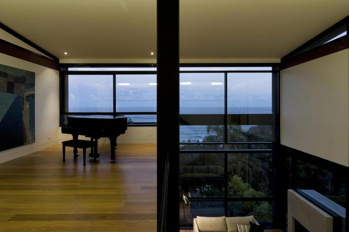 use-steel-glass-recycled-timbers-creates-modern-home-feels-calm-confident-14