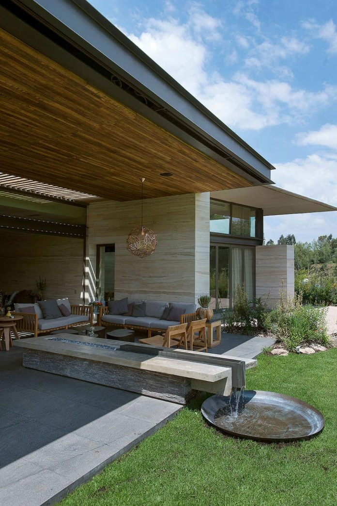vieyra-arquitectos-design-beautiful-home-lomas-country-golf-club-house-01
