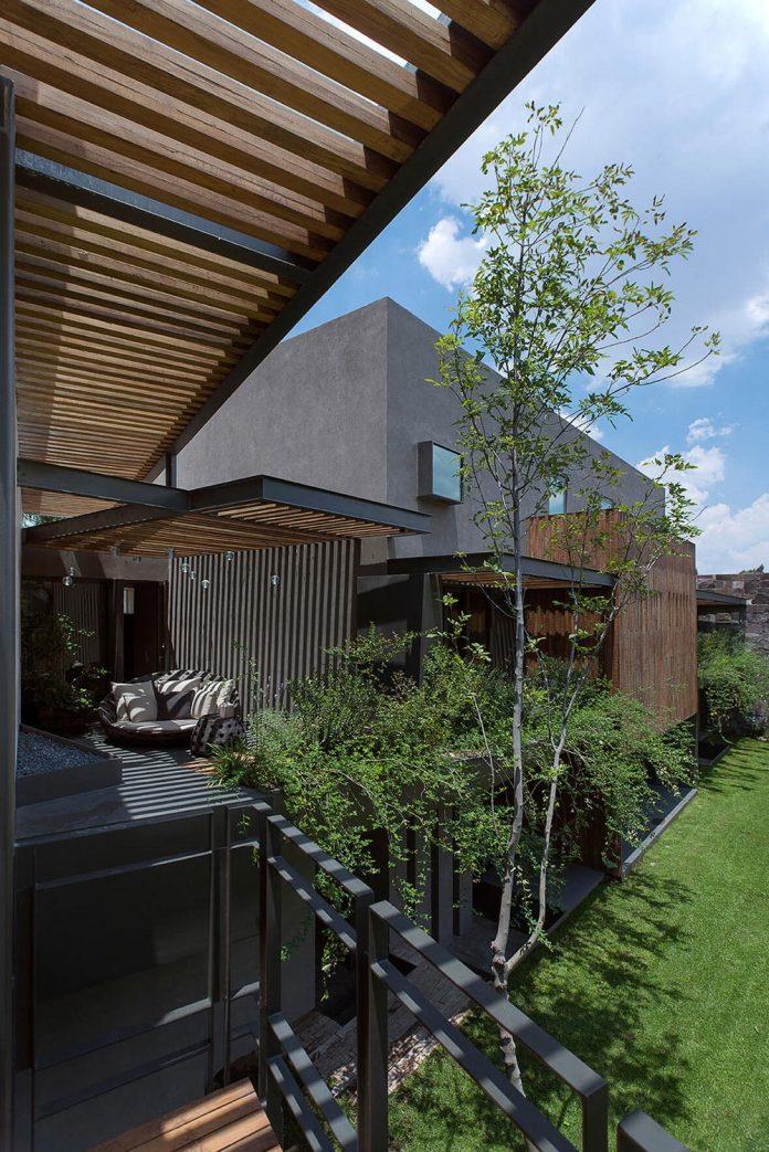 vieyra-arquitectos-design-beautiful-home-lomas-country-golf-club-house-04