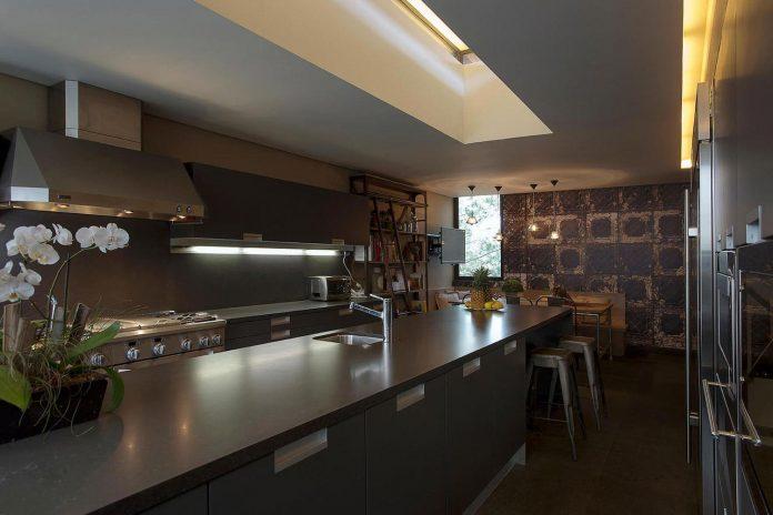 vieyra-arquitectos-design-beautiful-home-lomas-country-golf-club-house-09