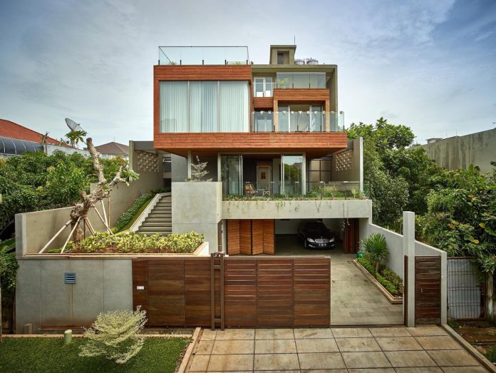 wirawan-tropical-open-house-designed-raw-architecture-01