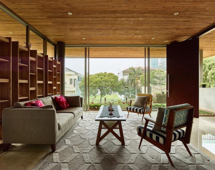 wirawan-tropical-open-house-designed-raw-architecture-04