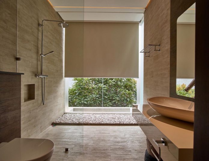 wirawan-tropical-open-house-designed-raw-architecture-11