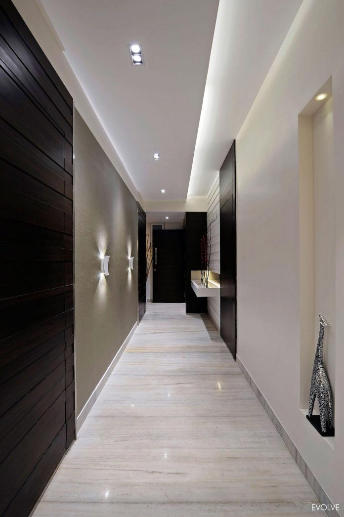 2000-square-foot-apartment-mumbai-4-bedrooms-different-terms-design-theme-01