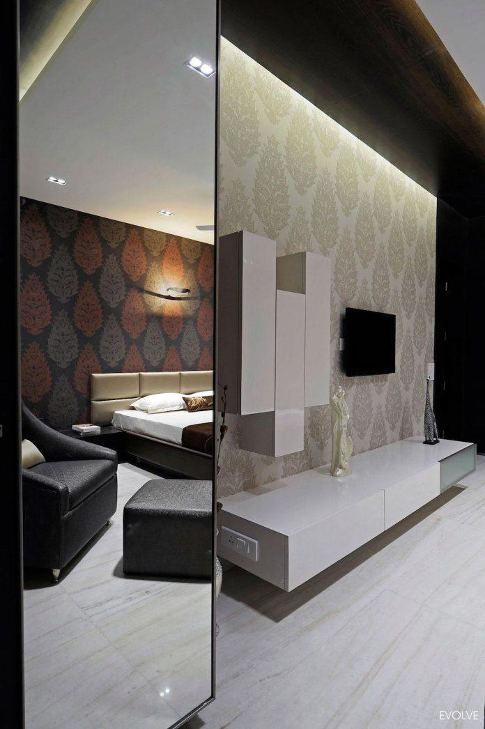 2000-square-foot-apartment-mumbai-4-bedrooms-different-terms-design-theme-12
