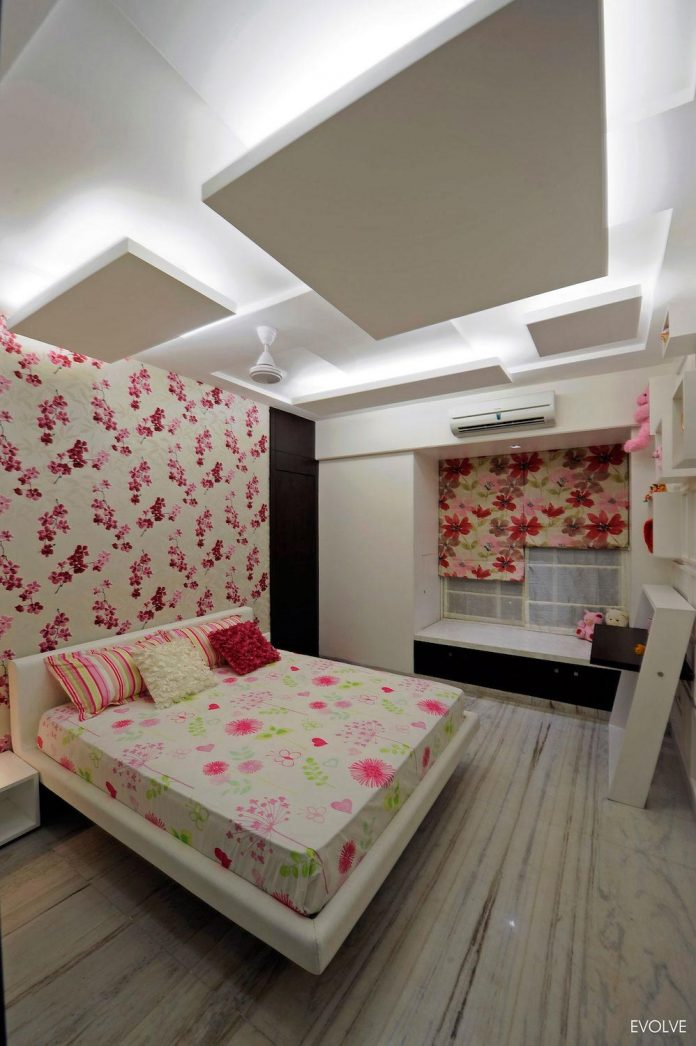 2000-square-foot-apartment-mumbai-4-bedrooms-different-terms-design-theme-14