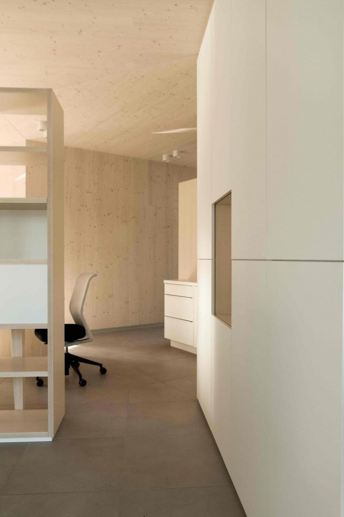 52-cubic-wood-material-innocent-never-architect-12