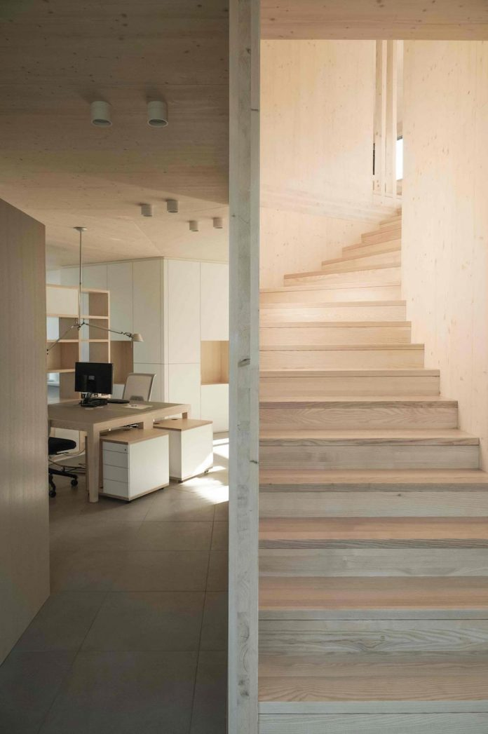 52-cubic-wood-material-innocent-never-architect-15
