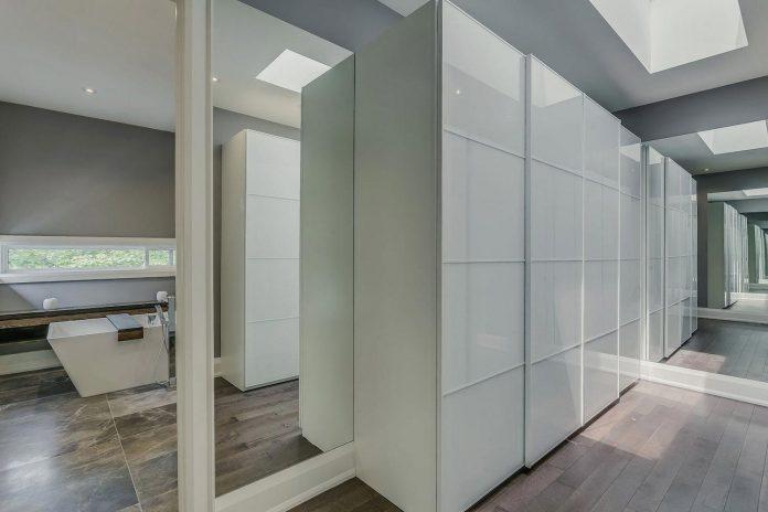 alva-roy-architects-design-garden-void-single-family-two-story-house-toronto-canada-09