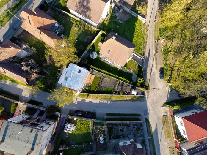 calvary-family-residence-designed-architekti-sercel-svec-01