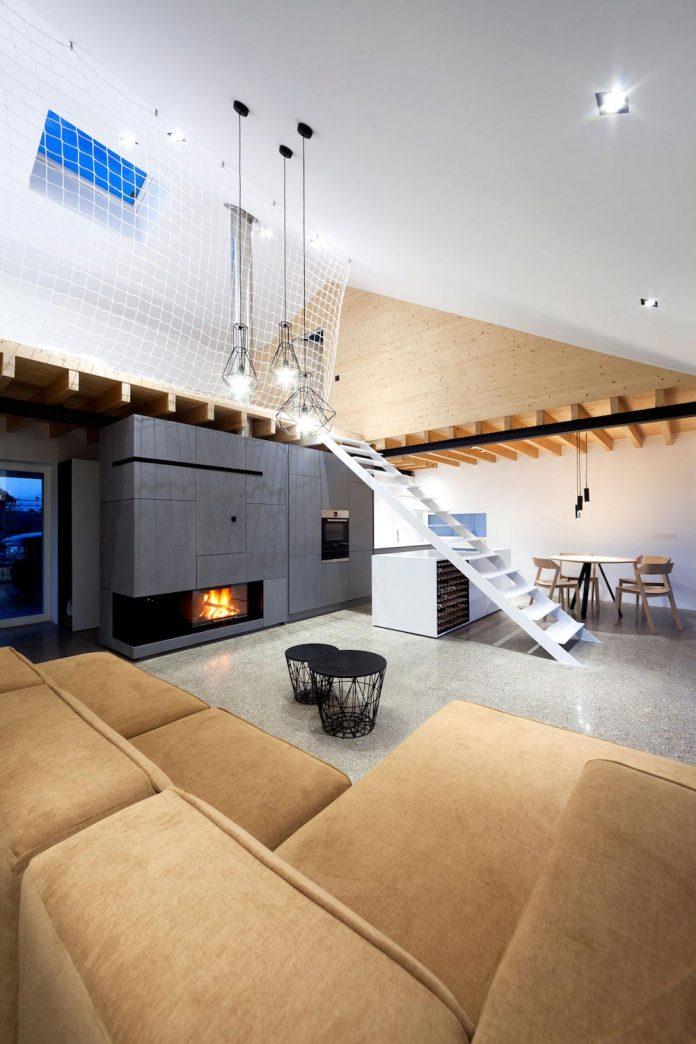 calvary-family-residence-designed-architekti-sercel-svec-08