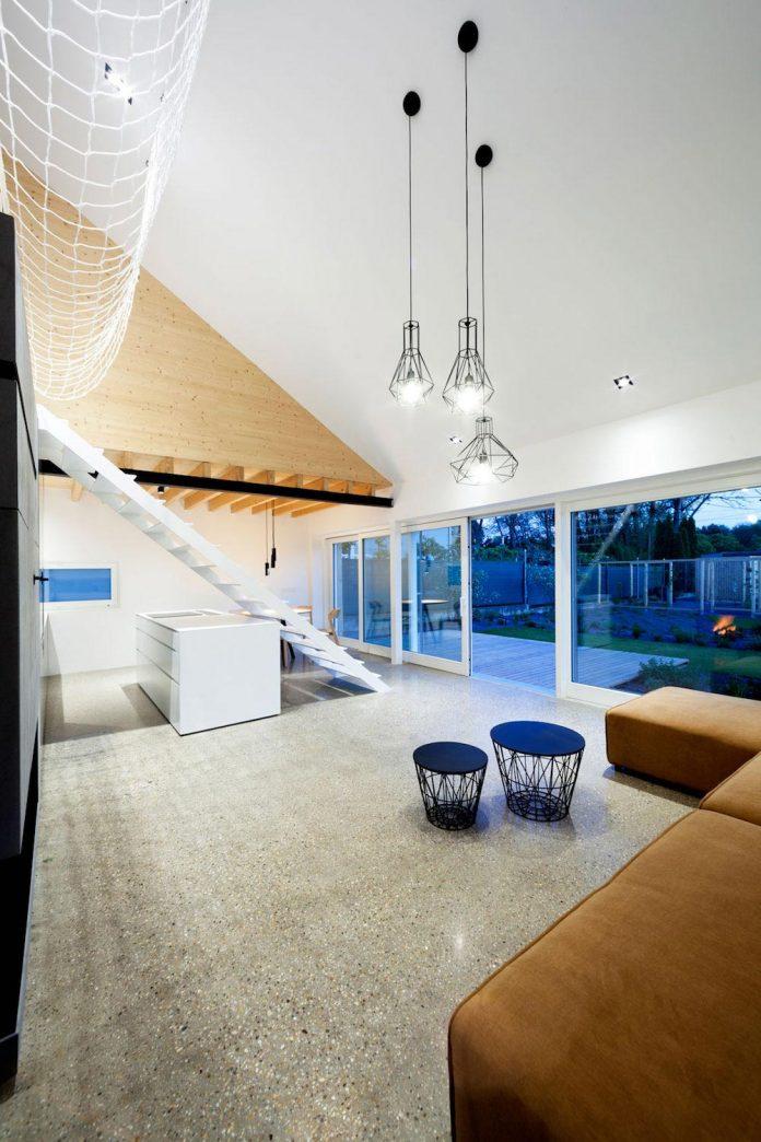 calvary-family-residence-designed-architekti-sercel-svec-09