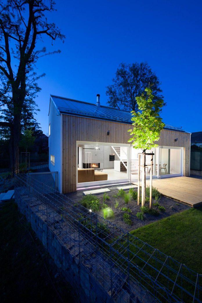 calvary-family-residence-designed-architekti-sercel-svec-12