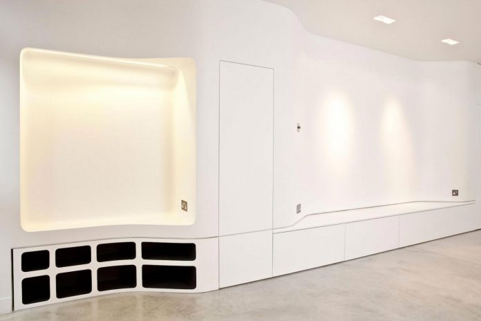 canfield-gardens-townhouse-designed-unique-take-minimalism-11
