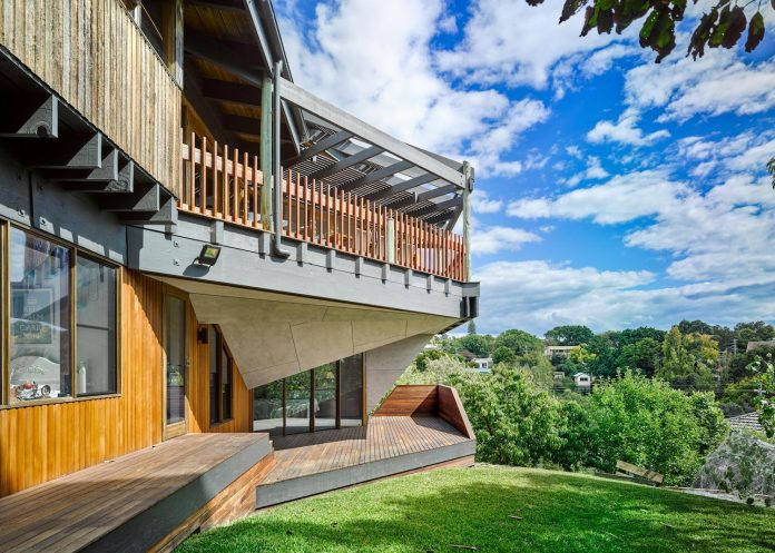 contemporary-chamfer-house-revisits-post-beam-dwelling-designed-1977-kevin-borland-02