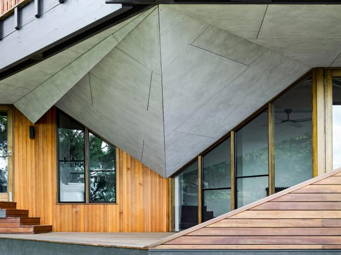 contemporary-chamfer-house-revisits-post-beam-dwelling-designed-1977-kevin-borland-04