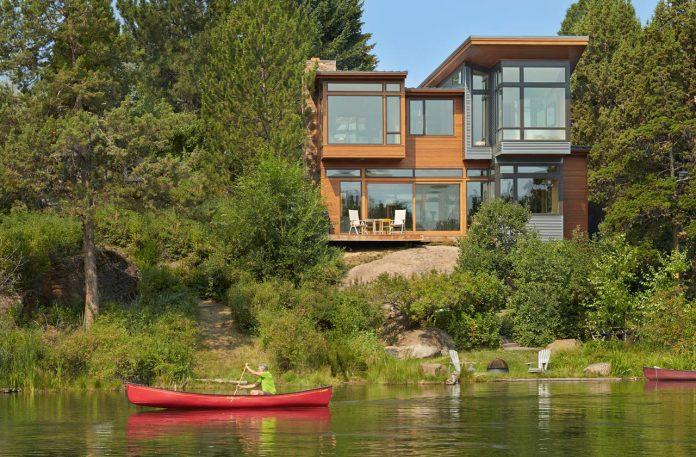 deschutes-house-located-urban-site-facing-deschutes-river-bend-oregon-01