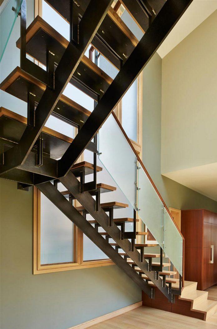 deschutes-house-located-urban-site-facing-deschutes-river-bend-oregon-13