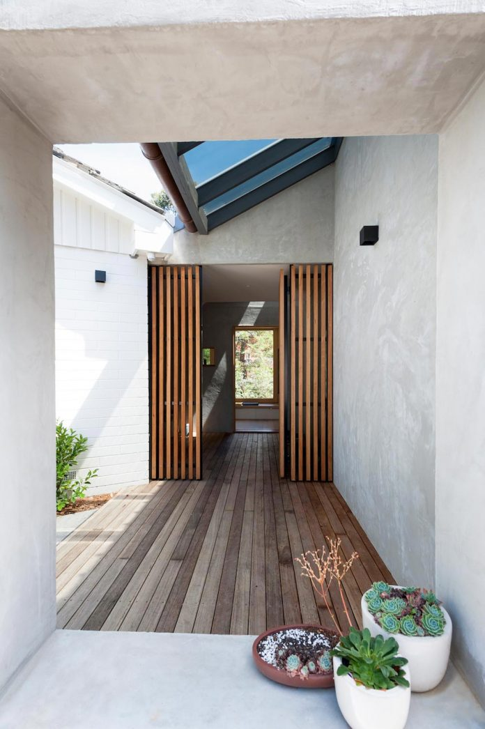 doncaster-house-renovation-1970s-brick-weatherboard-dwelling-large-triangular-site-03