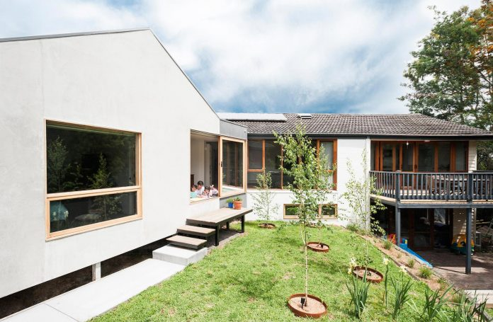 doncaster-house-renovation-1970s-brick-weatherboard-dwelling-large-triangular-site-05