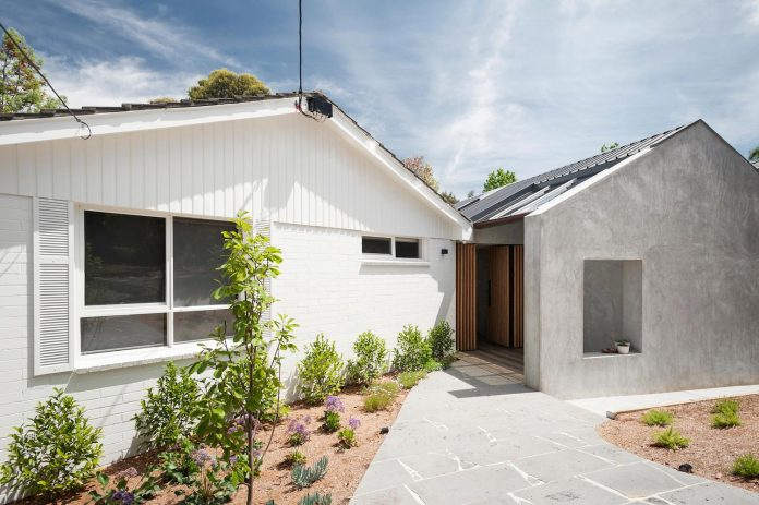 doncaster-house-renovation-1970s-brick-weatherboard-dwelling-large-triangular-site-09