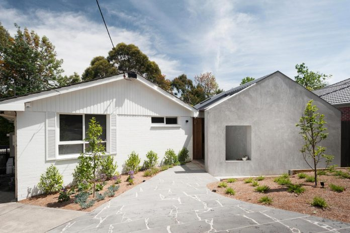 doncaster-house-renovation-1970s-brick-weatherboard-dwelling-large-triangular-site-10