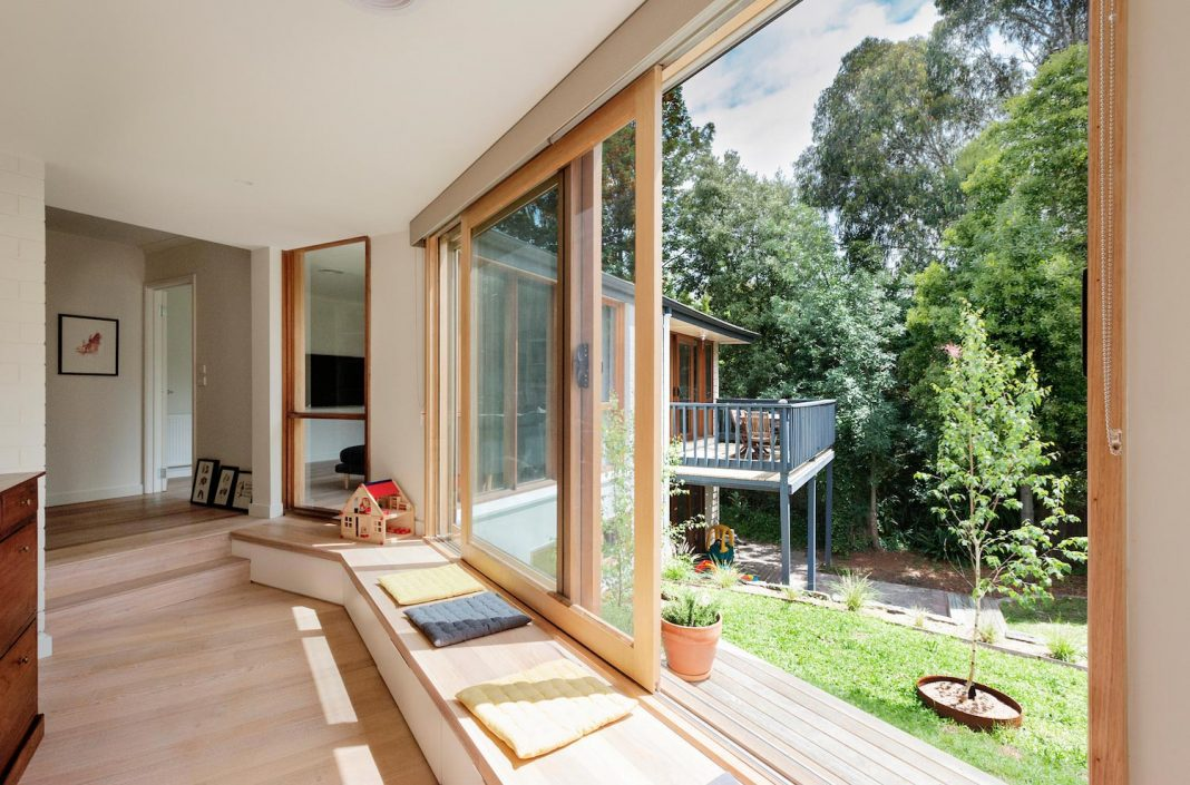 Doncaster House A Renovation Of A 1970s Brick And Weatherboard Dwelling On A Large Triangular