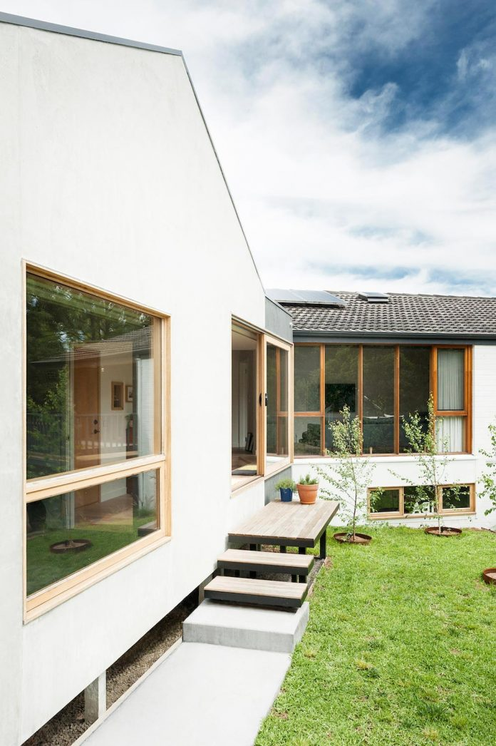 doncaster-house-renovation-1970s-brick-weatherboard-dwelling-large-triangular-site-15