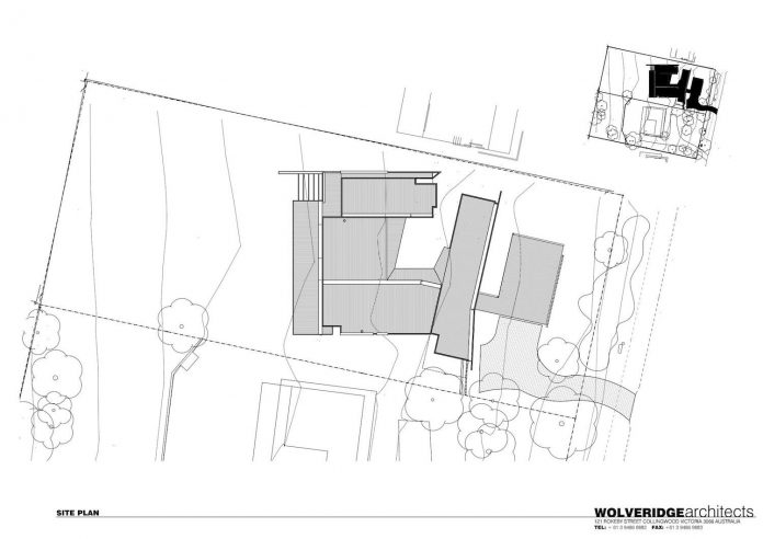 dwelling-4-bedrooms-features-central-courtyard-connecting-living-area-library-lounge-09