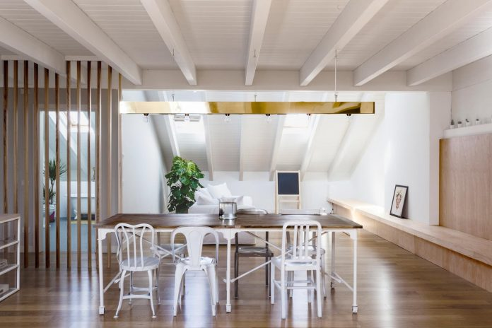 emme-elle-apartment-attic-becoming-extension-apartment-located-lower-floor-02