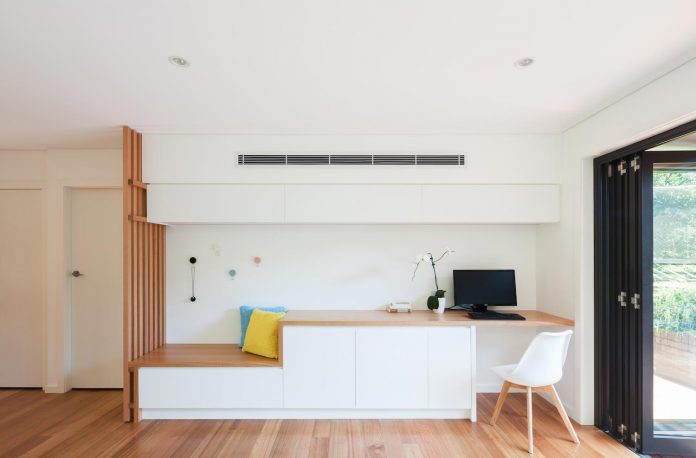 escu-house-sydneys-belrose-presents-open-inviting-contemporary-architecture-intelligent-yet-simple-confident-yet-subtle-07