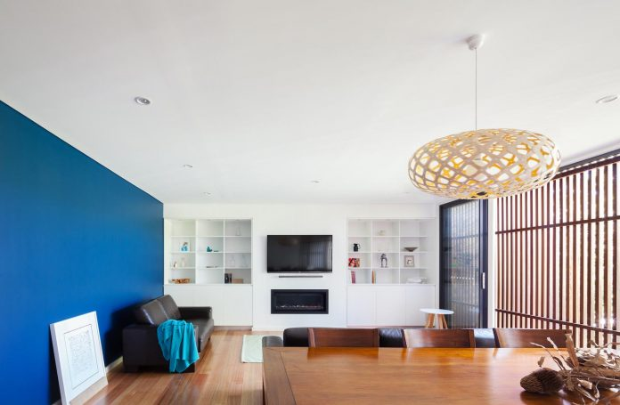 escu-house-sydneys-belrose-presents-open-inviting-contemporary-architecture-intelligent-yet-simple-confident-yet-subtle-11