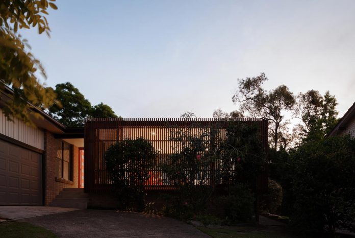 escu-house-sydneys-belrose-presents-open-inviting-contemporary-architecture-intelligent-yet-simple-confident-yet-subtle-13