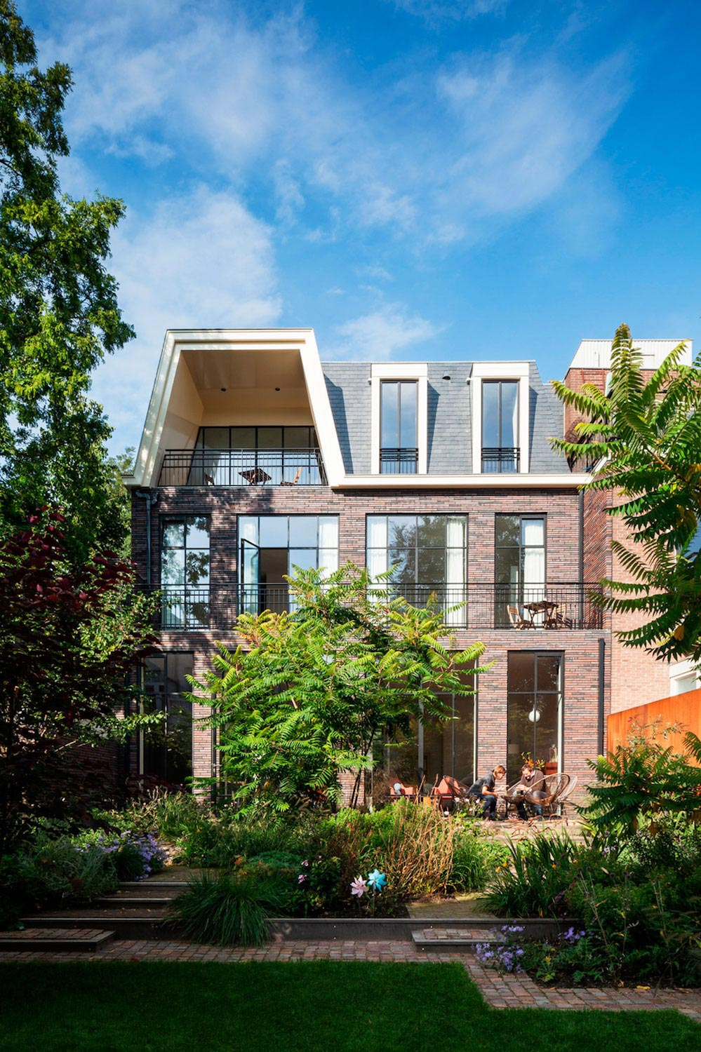 Former museum of Kralingen transformation into a luxury home located on one of the oldest streets in Rotterdam