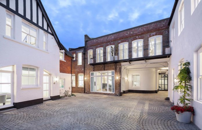 former-victorian-bakery-building-converted-high-end-contemporary-home-01