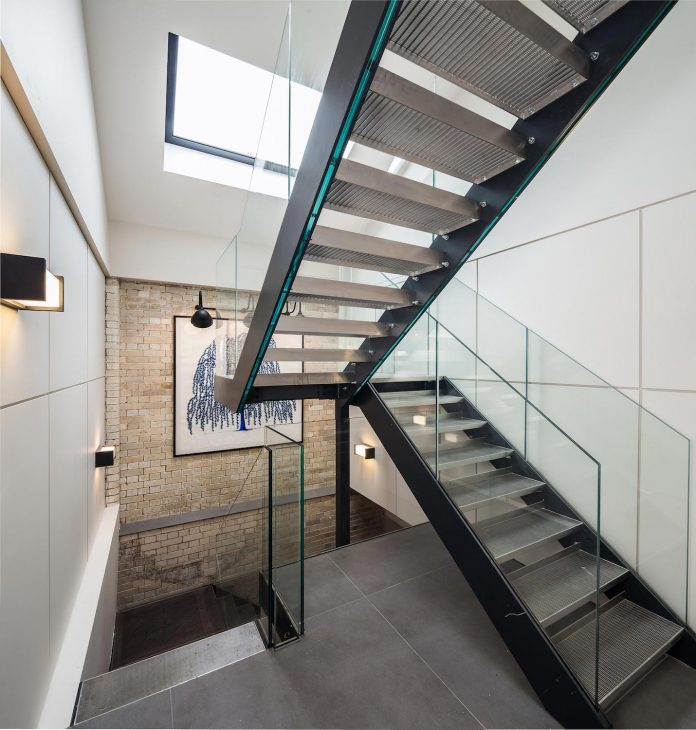 former-victorian-bakery-building-converted-high-end-contemporary-home-04