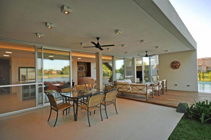 frame-residence-situated-rectangular-lot-backyard-towards-inner-lake-gated-neighborhood-03