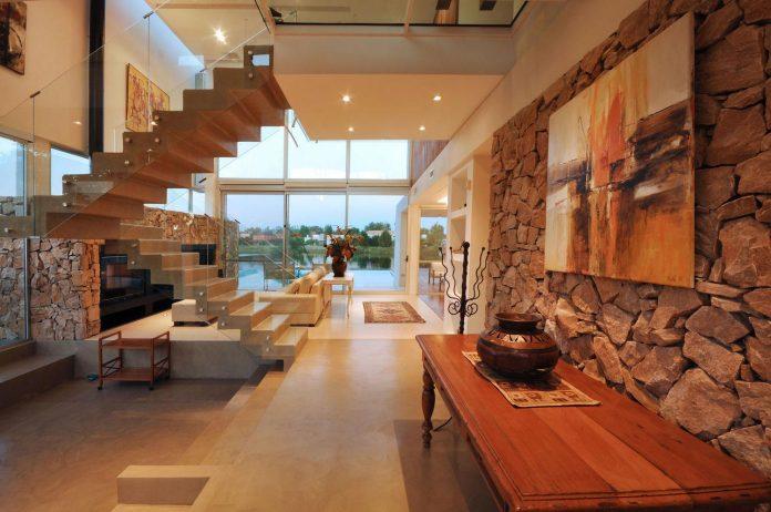 frame-residence-situated-rectangular-lot-backyard-towards-inner-lake-gated-neighborhood-04