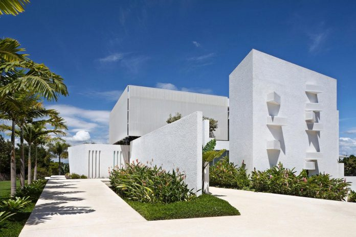 home-designed-young-family-two-small-children-lago-sul-qi-25-brasilia-02