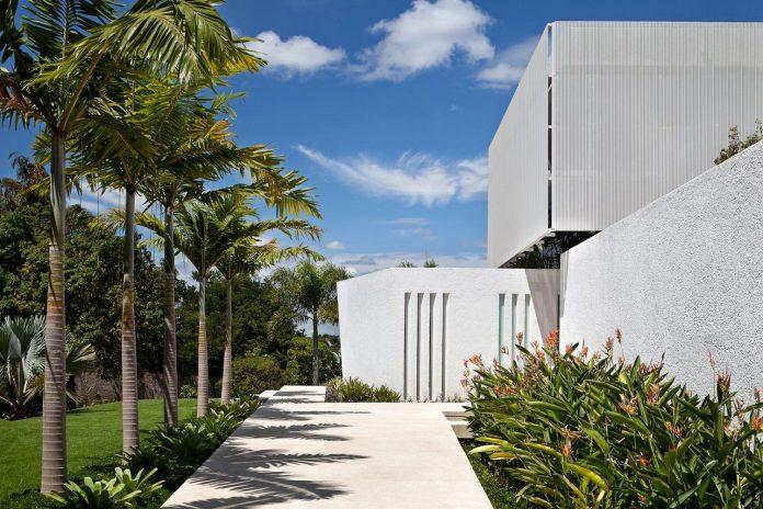 home-designed-young-family-two-small-children-lago-sul-qi-25-brasilia-03