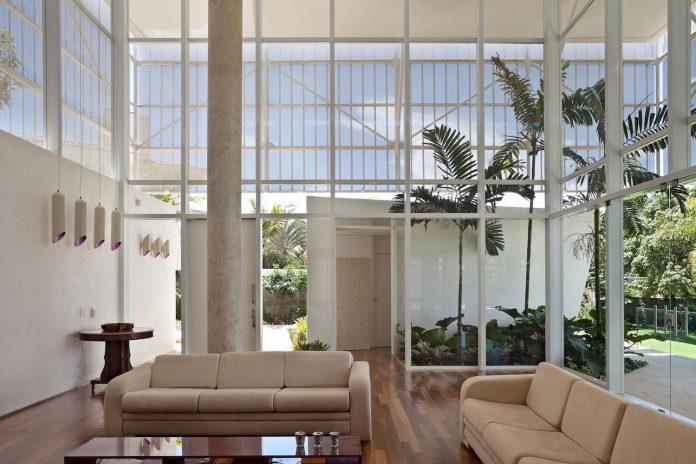 home-designed-young-family-two-small-children-lago-sul-qi-25-brasilia-08
