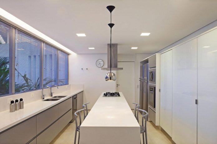 home-designed-young-family-two-small-children-lago-sul-qi-25-brasilia-09