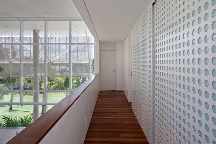 home-designed-young-family-two-small-children-lago-sul-qi-25-brasilia-10