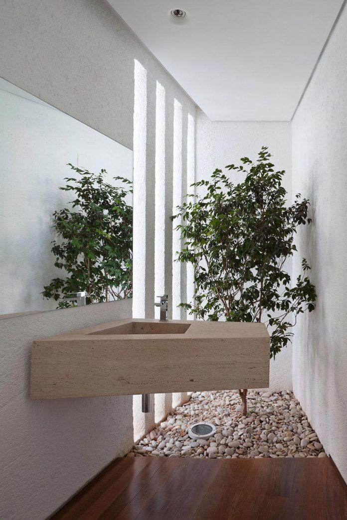 home-designed-young-family-two-small-children-lago-sul-qi-25-brasilia-11